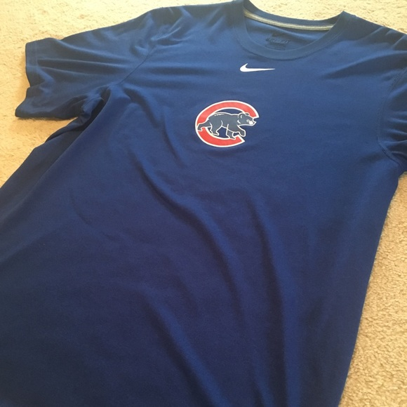 buy online a817c b4102 Nike Chicago Cubs shirt.